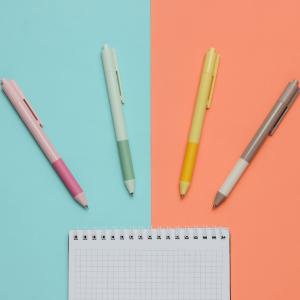 Pixuri, stilouri & creioane