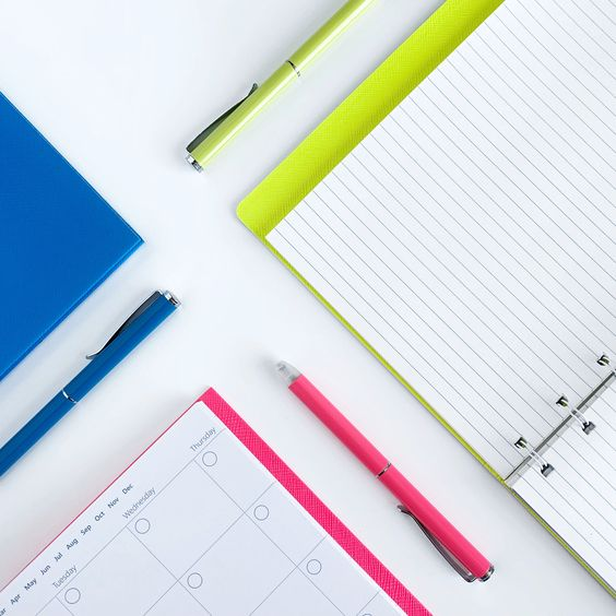 Agenda Notebook Saffiano cu spirala si rezerve A5 Pear FILOFAX