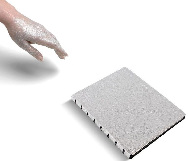 Agenda Notebook Saffiano Metallic cu spirala si rezerve A5 Silver FILOFAX