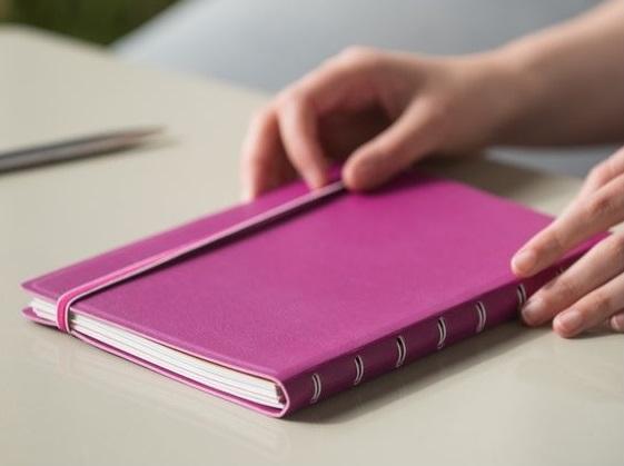 Agenda Notebook Classic cu spirala si rezerve A5 Fuchsia FILOFAX