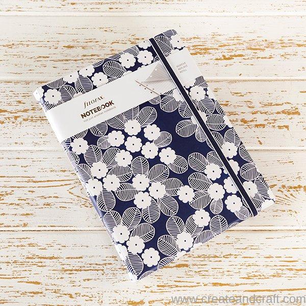Agenda Notebook Impressions cu spirala si rezerve A5 Navy & White FILOFAX