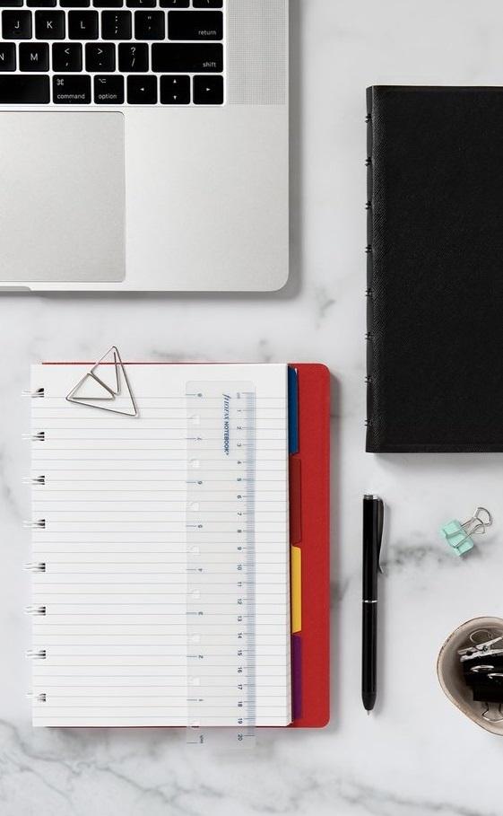 Agenda Notebook Classic cu spirala si rezerve A5 Red FILOFAX