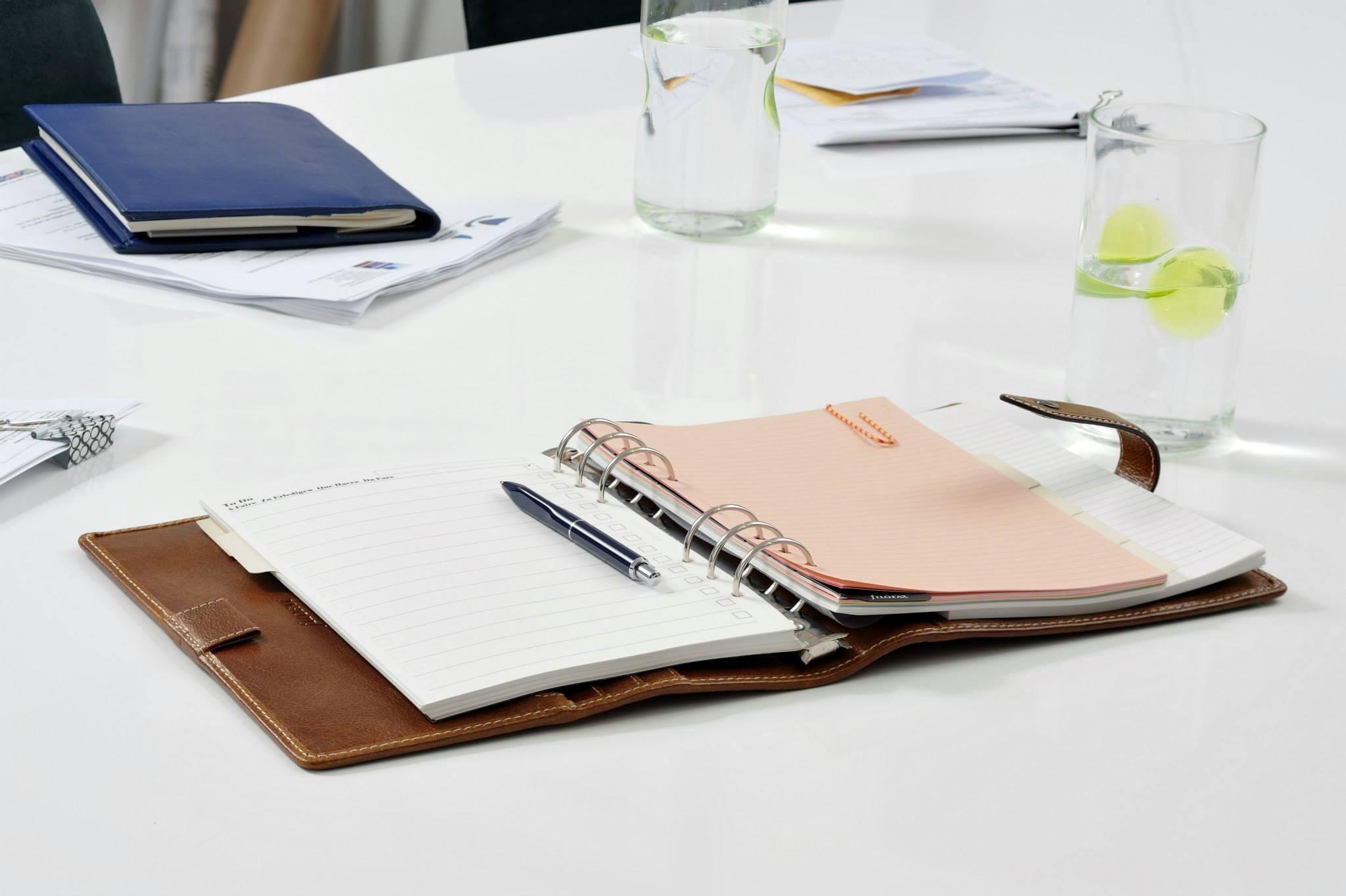 Rezerva hartie dictando 25 buc/set Cream A5, compatibila cu Agendele Organiser si cu Clipbook-urile FILOFAX