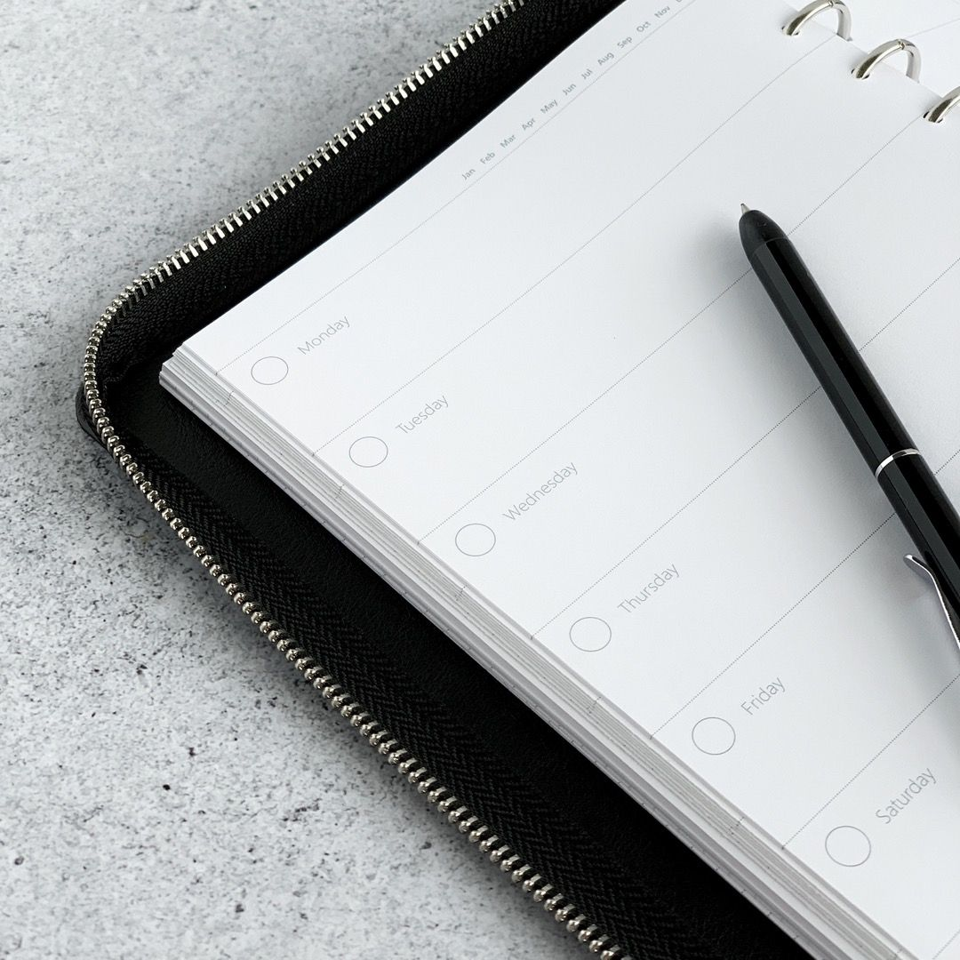 Rezerva hartie saptamanala A5, nedatata compatibila cu Agendele Organiser si cu Clipbook-urile FILOFAX