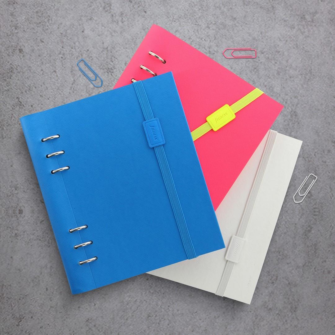 Agenda Clipbook Saffiano Fluoro cu inel si rezerve A5 Blue FILOFAX
