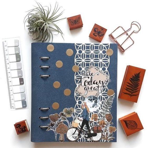 Agenda Clipbook Architexture cu inel si rezerve A5 Blue Suede FILOFAX