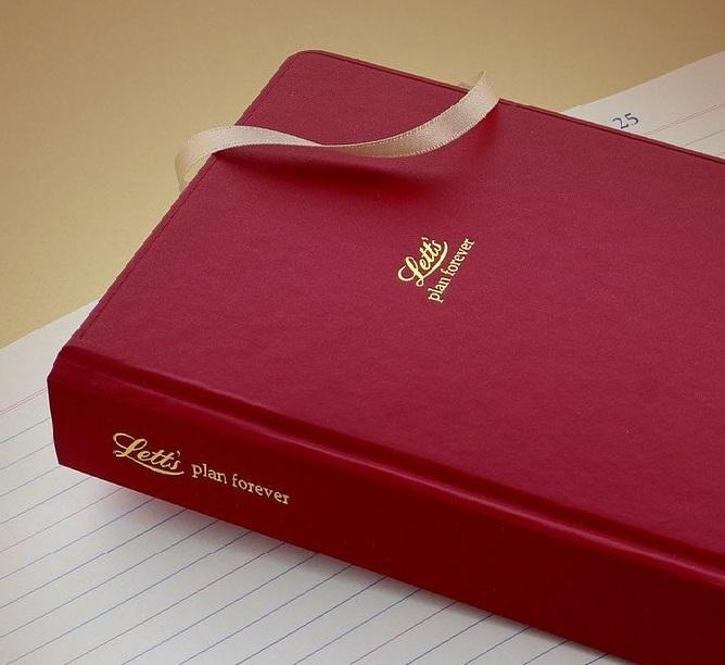 Agenda nedatata A5, tip jurnal, Red Icon LETTS