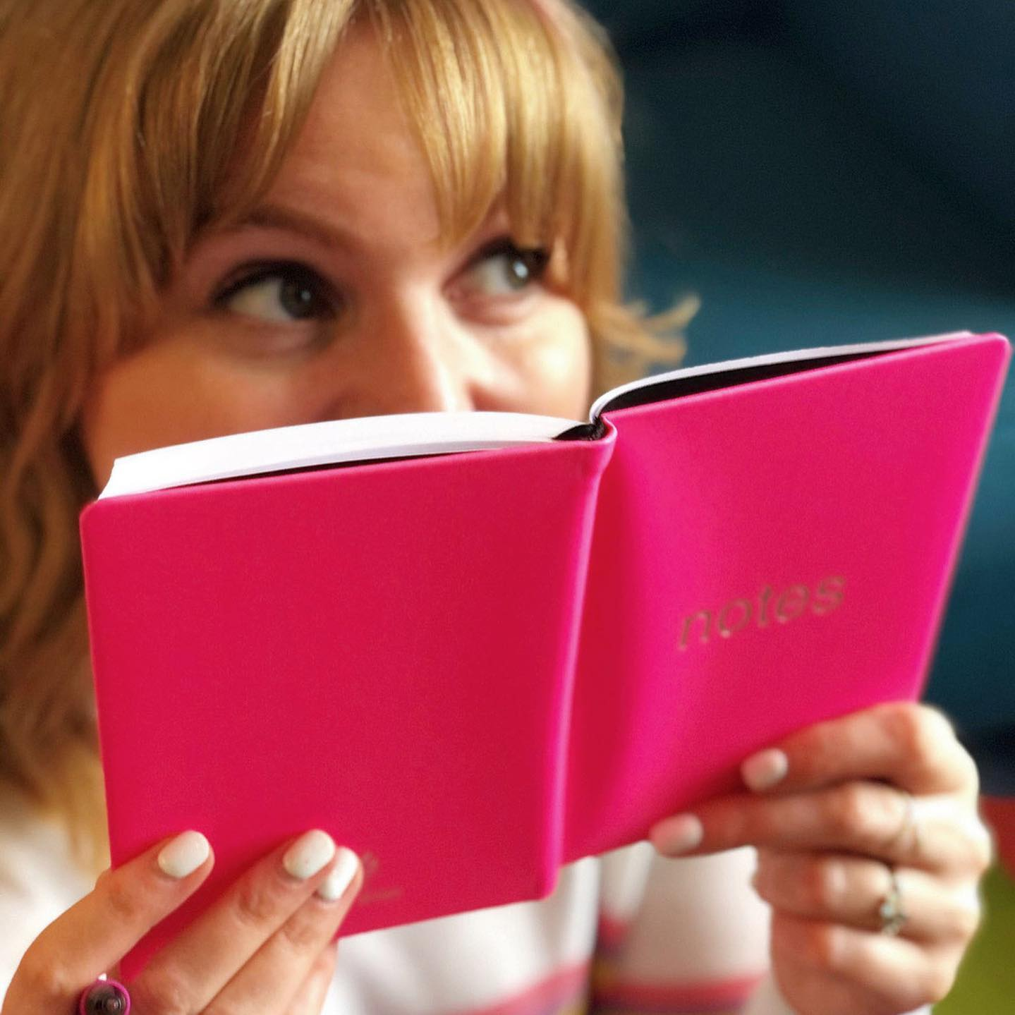 Agenda Notebook A6 Dazzle Pink LETTS